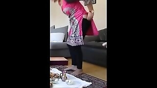 neighbour sexy aunty pany getting down immigrant butt